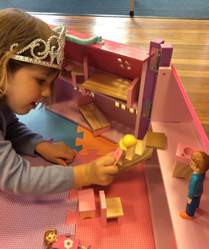 Girls-Dollhouse